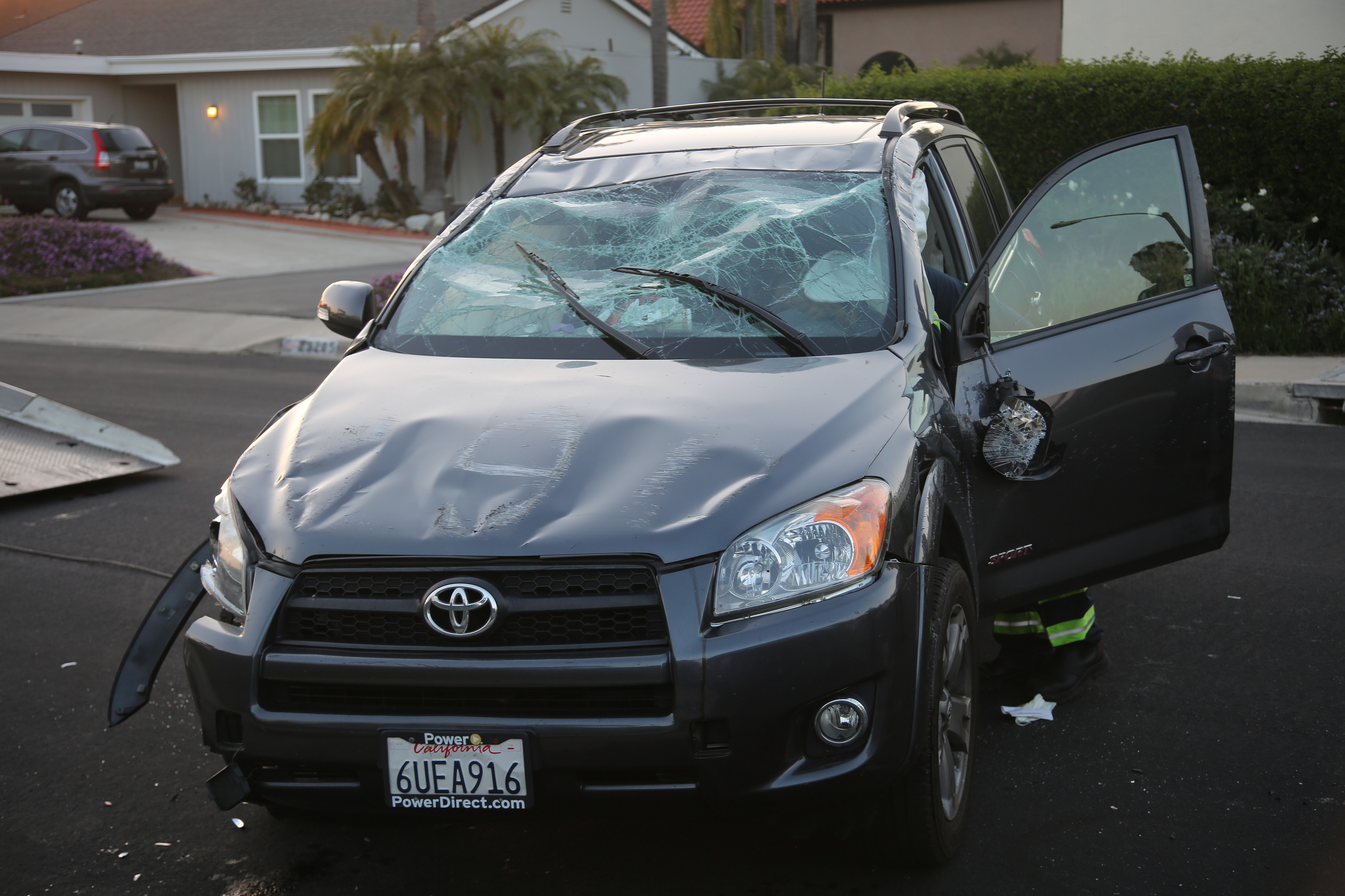 Totaled Cars For Sale >> Sell Damaged Car The Ultimate Guide Cash Cars Buyer