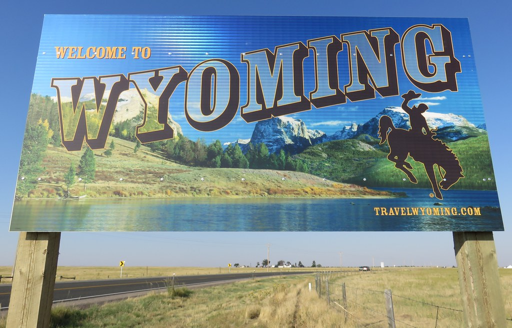 How To Sell A Car in Wyoming With All State Directives In Place