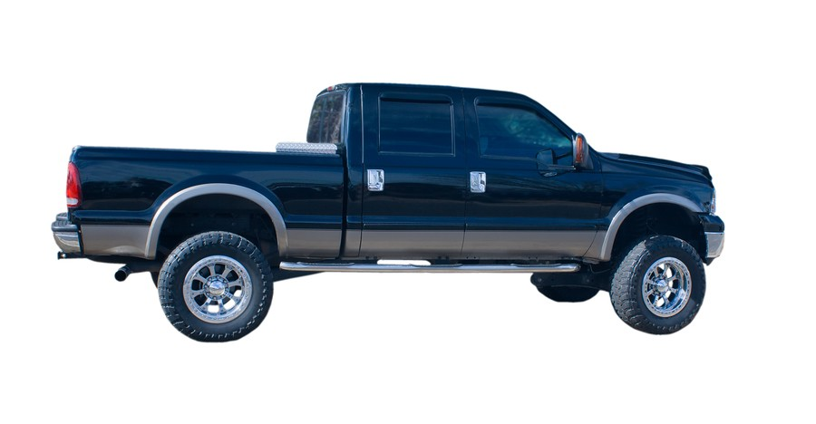 Which is Right For You in When It Comes to Crew Cab vs Double Cab