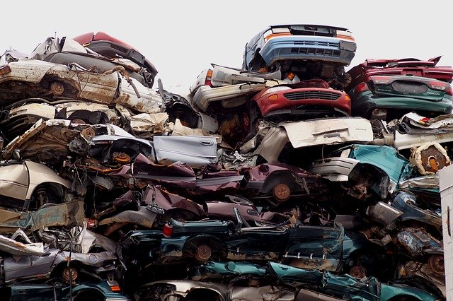 How Many Cars Do Experts Recycle Each Year?