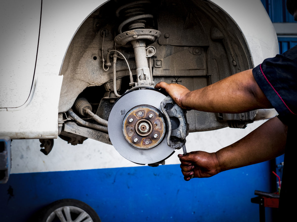 Brakes Grinding? Here is What you Should Know - Cash Cars Buyer