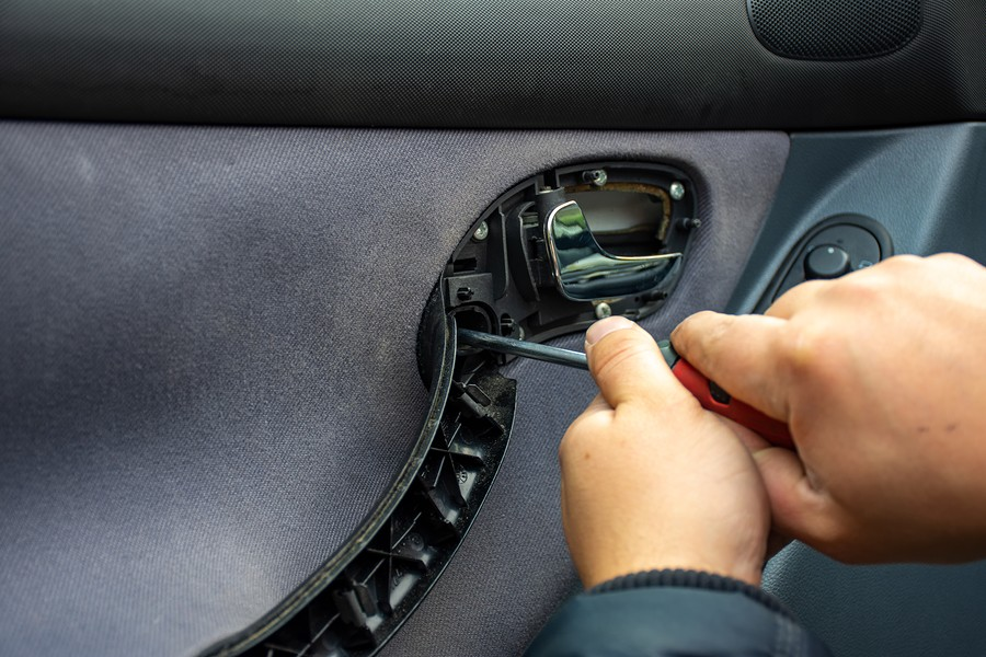 Car Window Won't Go Up – How To Fix This Problem