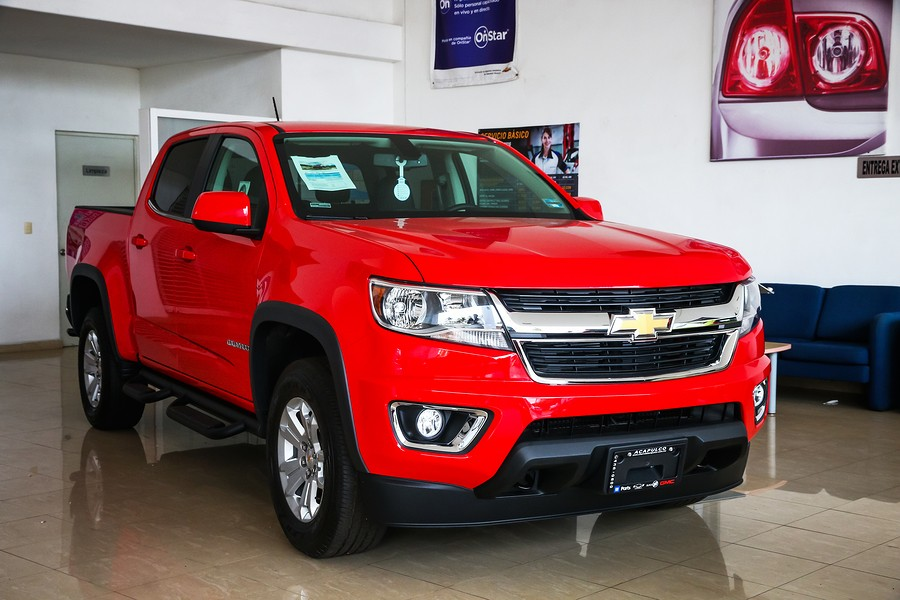 Chevy Colorado vs Toyota Tacoma: Which Truck is Best for You?