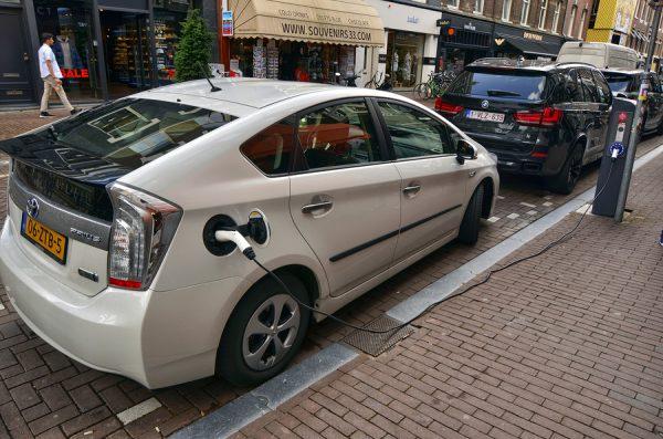 toyota prius hybrid battery price