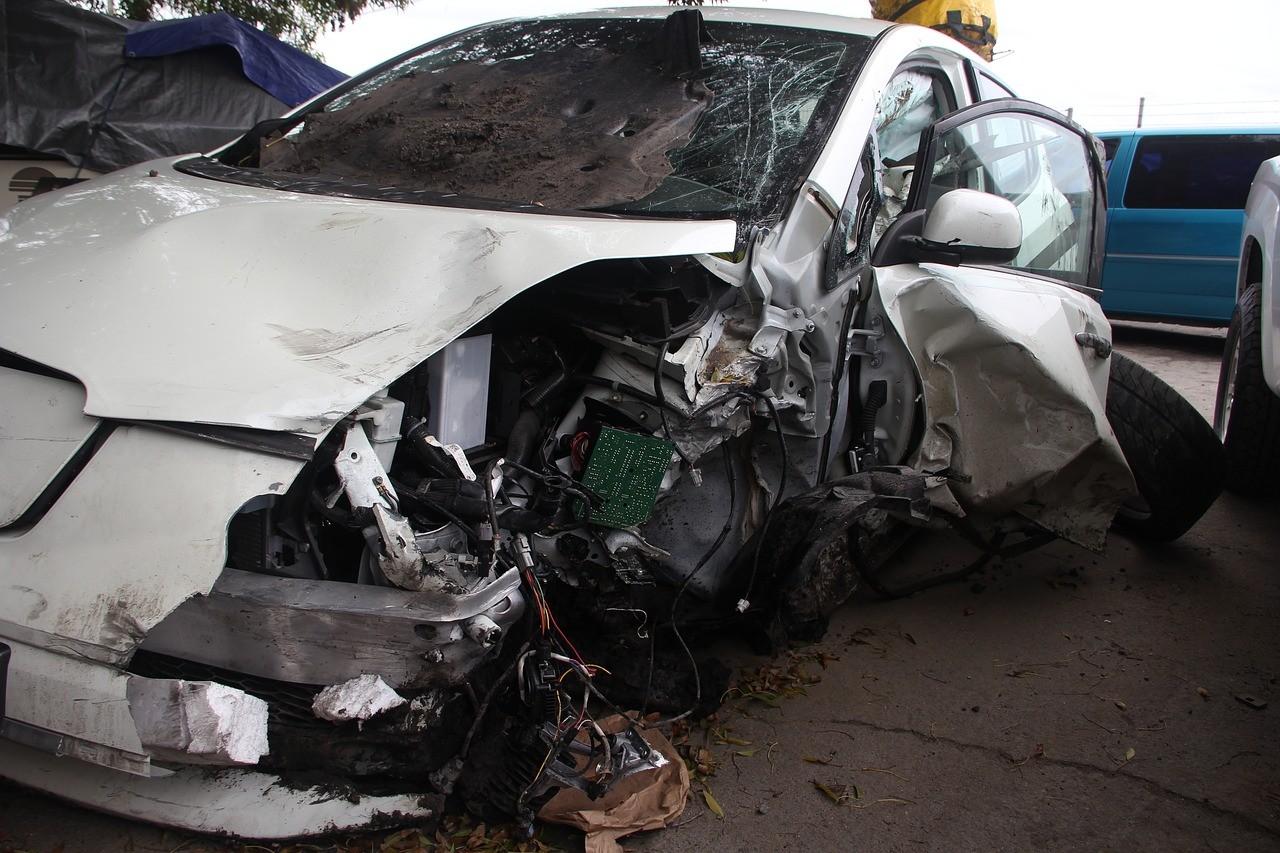 Cash For Junk Cars Santa Clarita, CA – Sell Your Car For Fast Cash!