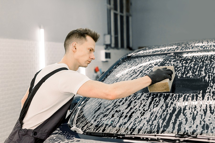 A Fast and Easy Way To Clean Your Car Windows Without Getting Streaks!