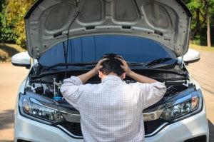 Symptoms of engine tapping