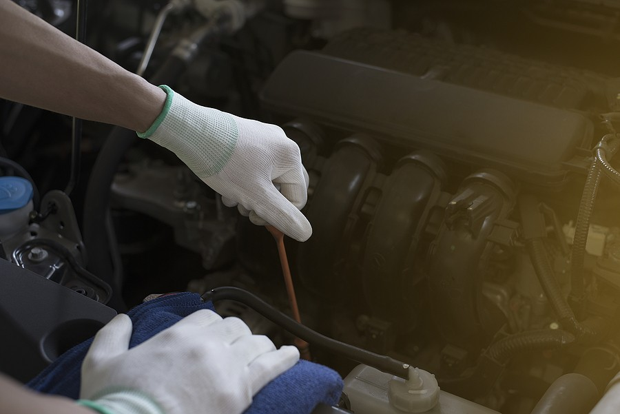 Low Engine Oil Symptoms: Everything You Need To Know!