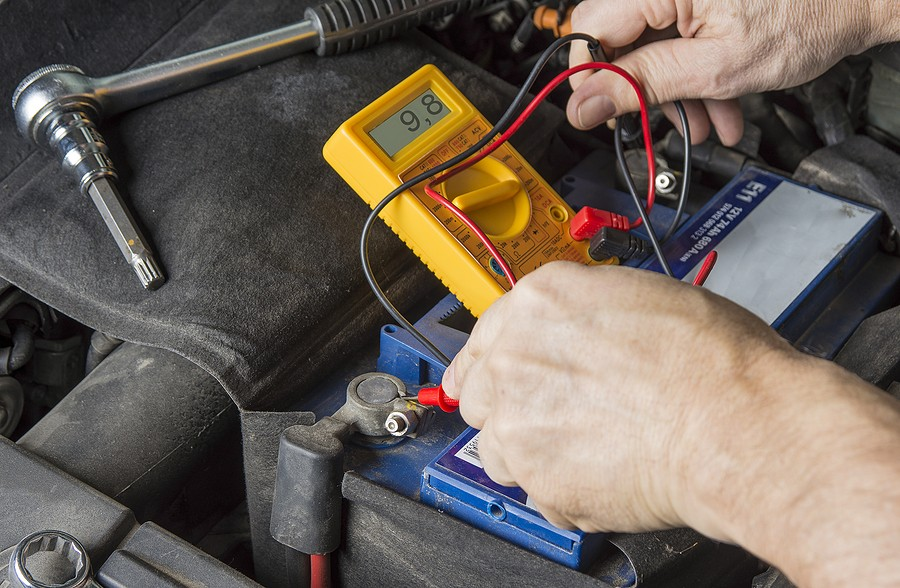 Weak Car Battery Symptoms – What You Need To Know!