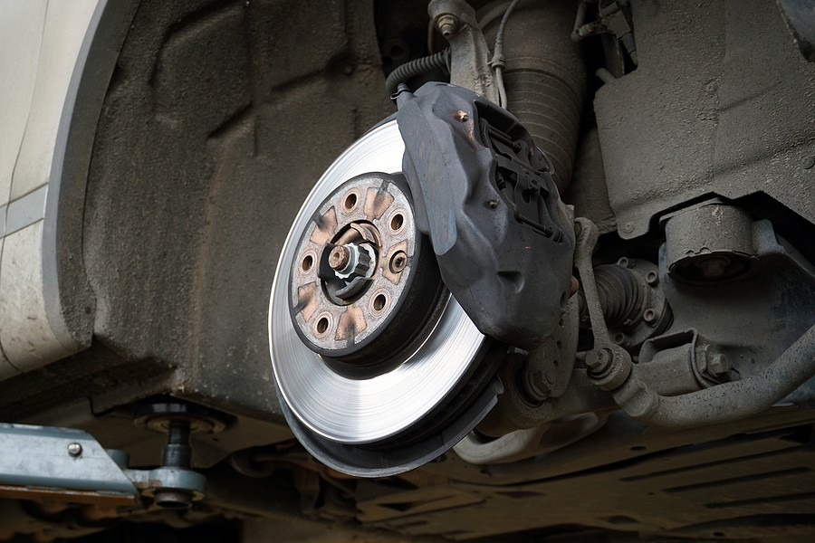 Brake Caliper Sticking: What Are the Symptoms and Causes of It?