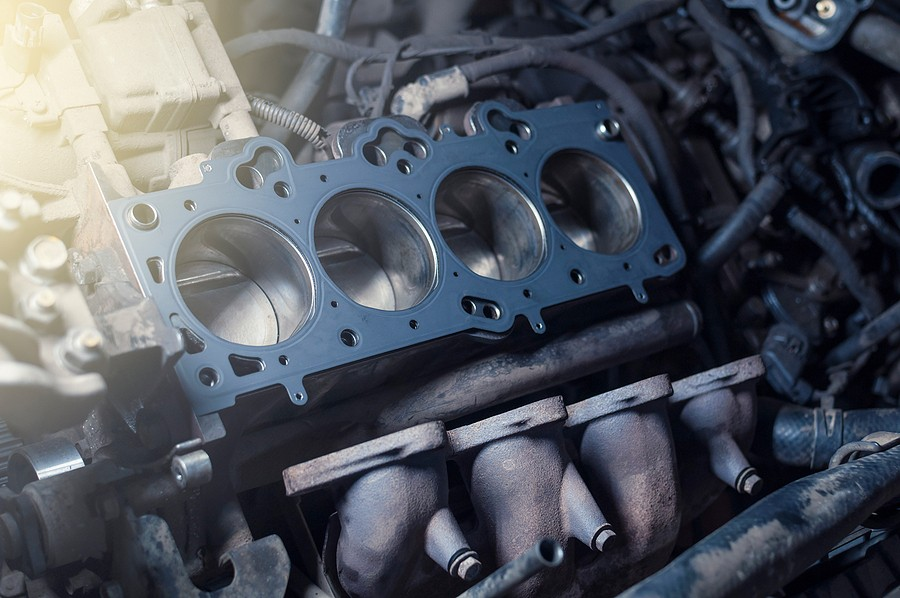 Cracked Head Gasket – What Are The Symptoms And Problems?