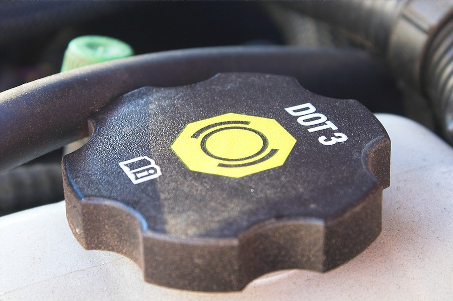 DOT 3 vs. DOT 4 Brake Fluid – What You Need To Know!