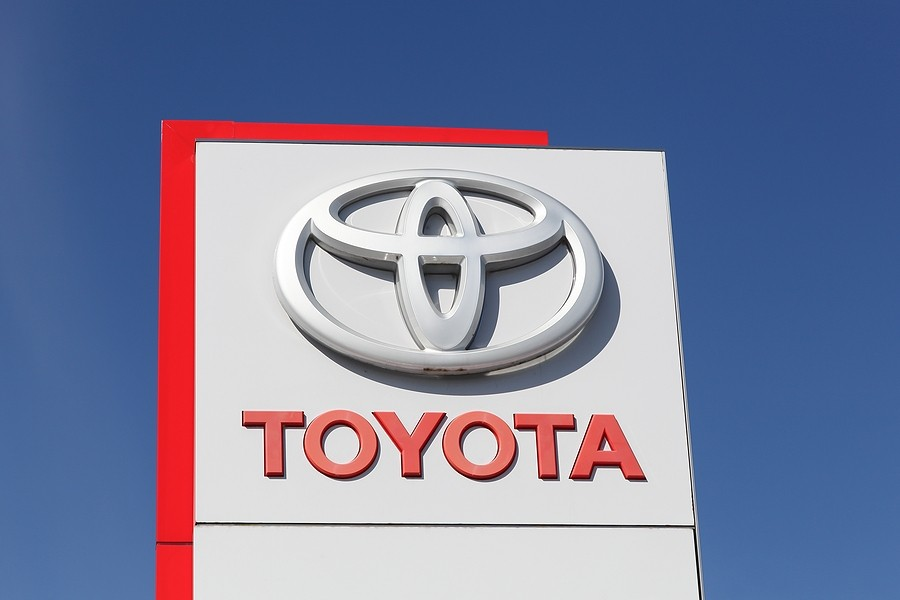 Service Center: Does Toyota Cover Maintenance After the Purchase of a New Vehicle?
