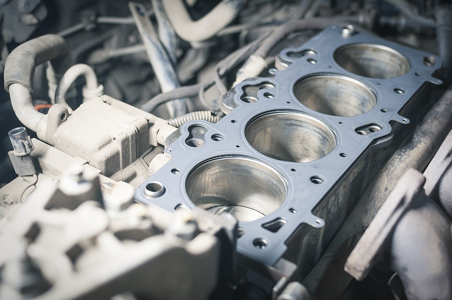 Signs of A Leaking Head Gasket – Keep An Eye Out For Coolant Leaks And Overheating!