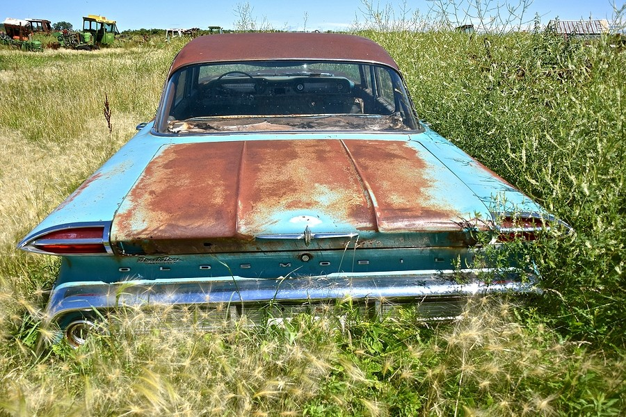 How to Estimate the Value of a Car that Has Been Considered a Junker