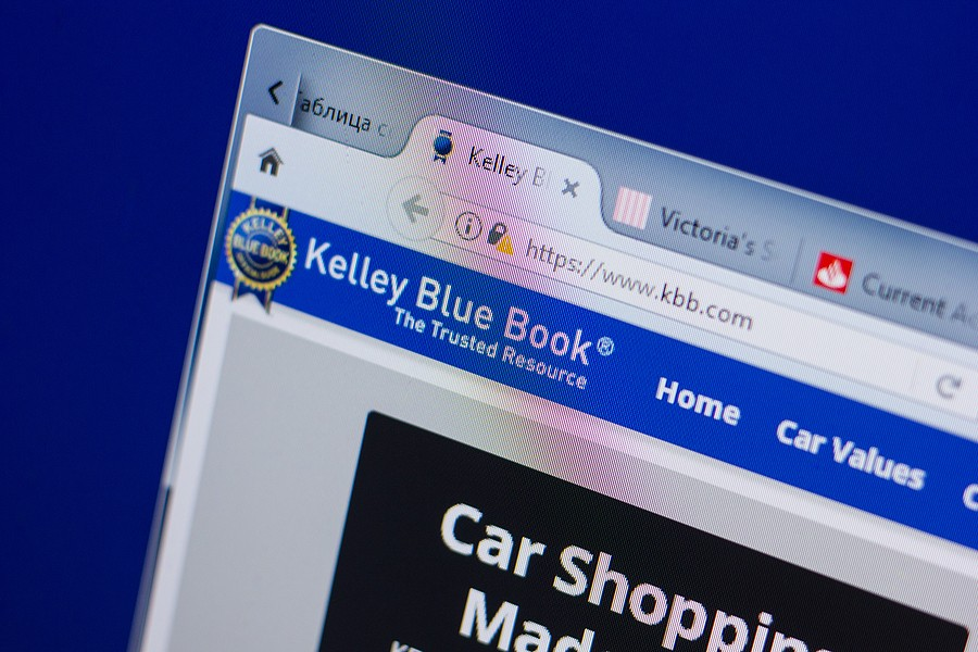 KBB Instant Cash Offer Review: What People Say About Their Experience?