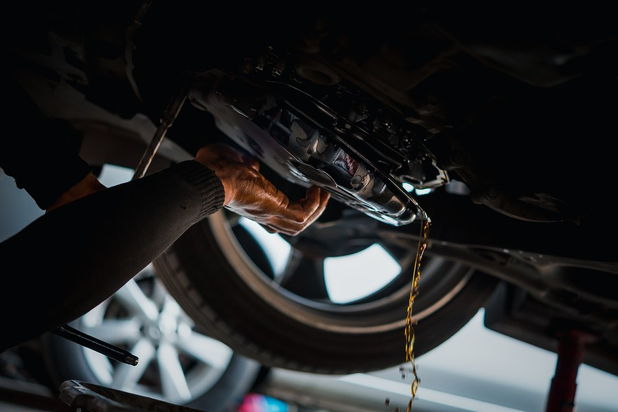 Transmission Fluid Change: 5 Signs You Need to Have It Done ASAP!