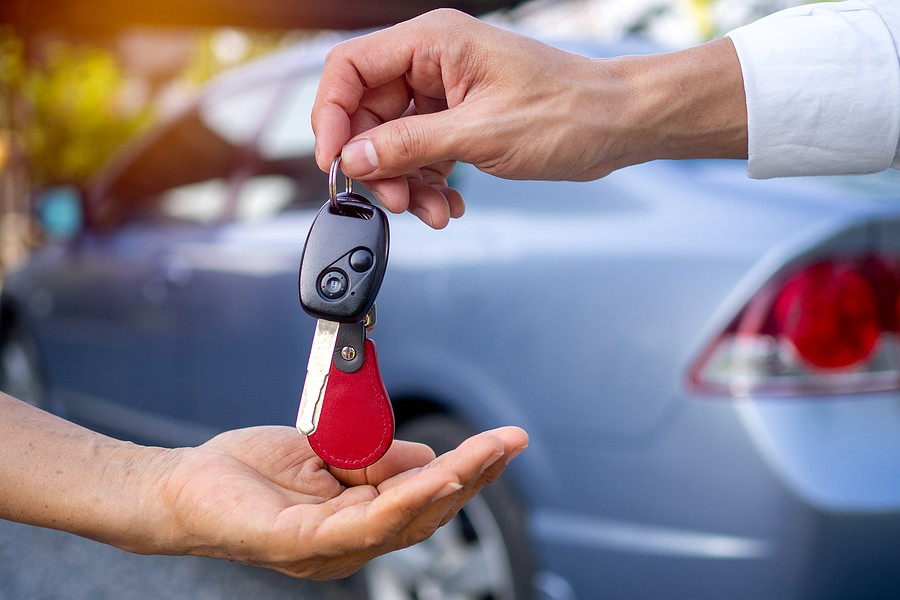 Best Time to Sell a Car? 10 Signs It's Time to Let Your Car Go!