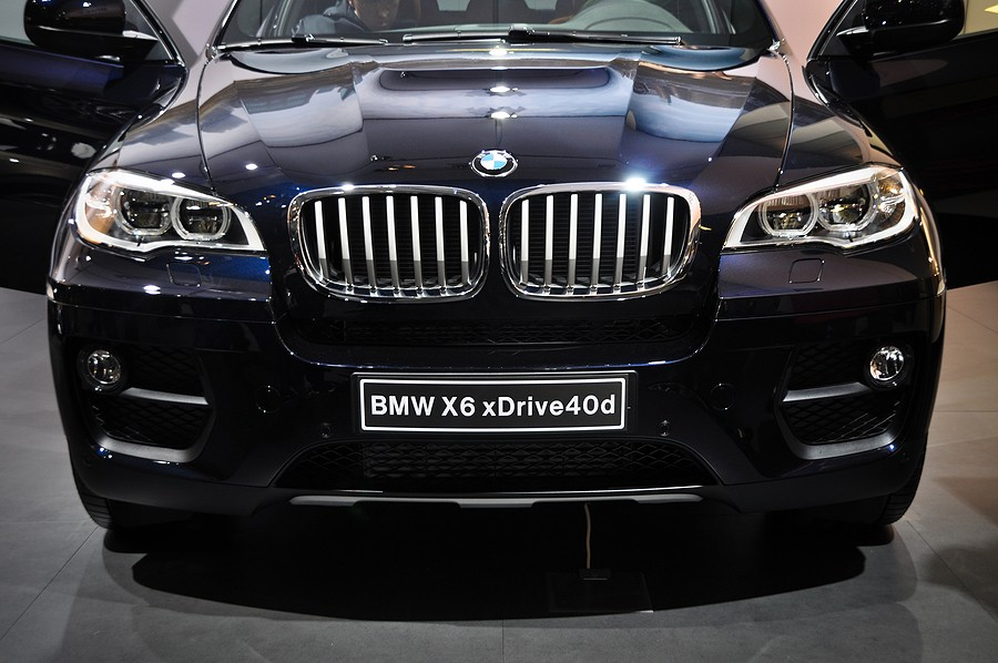 How Much Does A BMW X6 Oil Change Cost? And How Often Does A BMW Need an Oil Change?