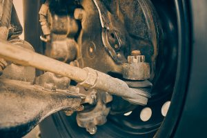 signs of bad tie rod ends