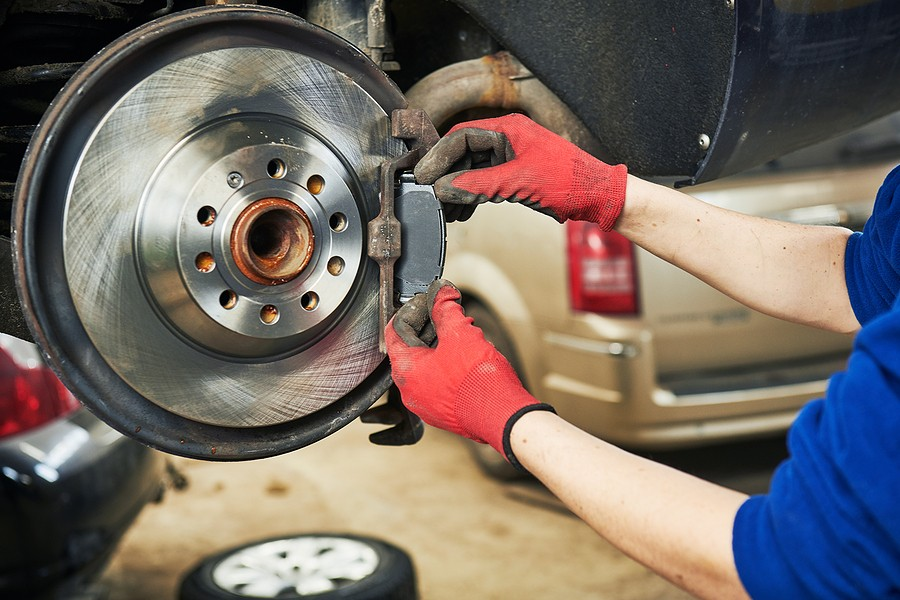Replacing Disc Brakes Pads