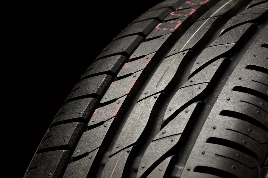 Should You Always Replace Car Tires in Pairs?