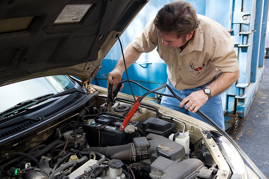 what causes a dead battery