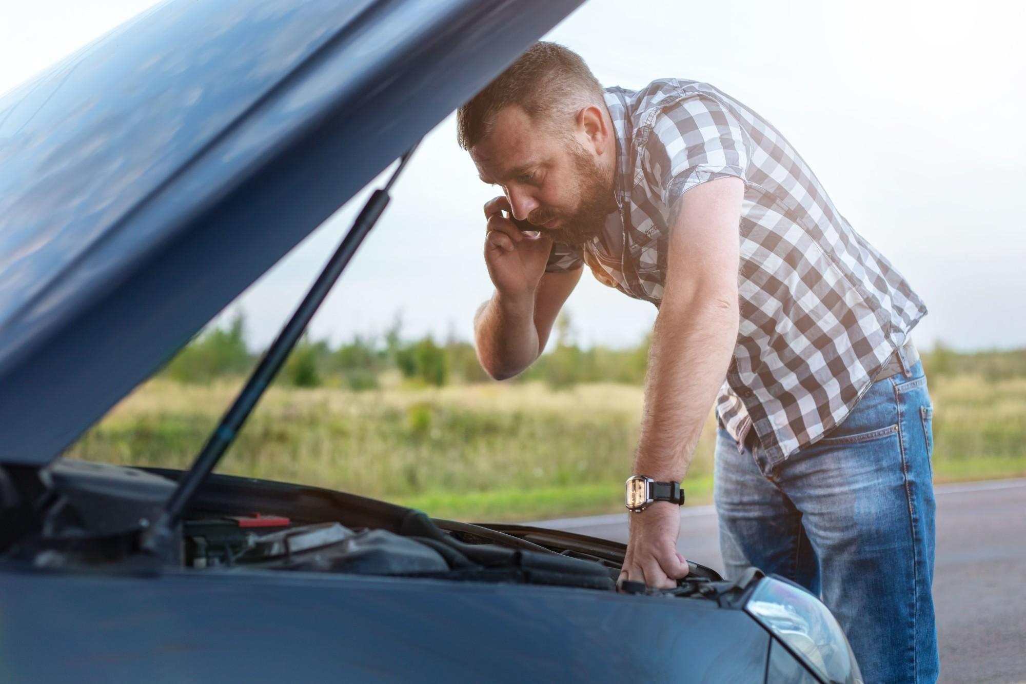 What Items Should Be in A Roadside Emergency Kit?